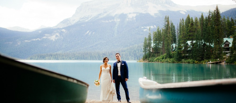 natural elegance wedding at Emerald Lake Wedding by Naturally Chic | Photo by T.LAW Photography