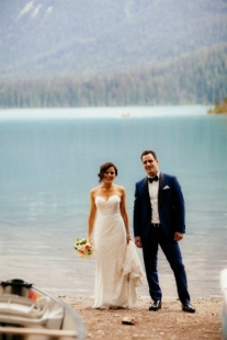 emerald lake wedding by Naturally Chic