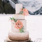 Lake_Louise_winter_wedding _cake | Naturally Chic wedding