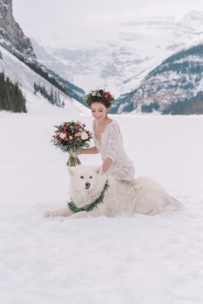 Lake Louise winter wedding by Naturally Chic | Photo by Darren Roberts Photography