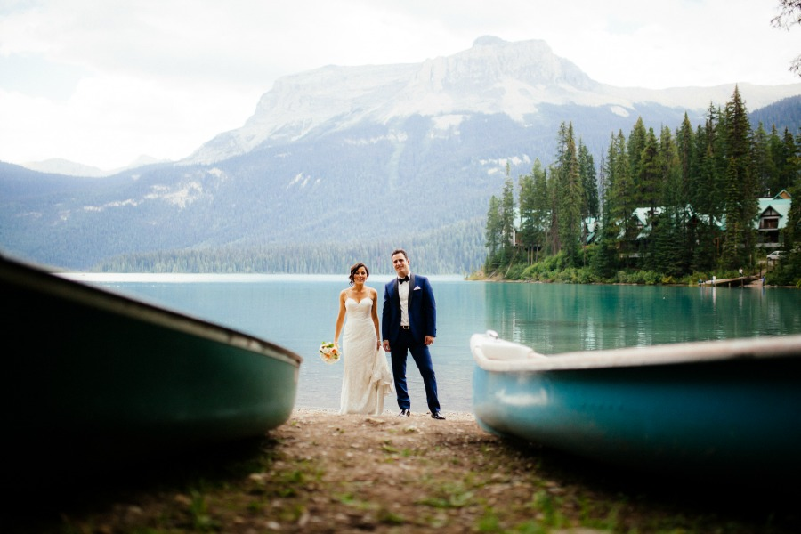 Emerald Lake Lodge summer wedding from Naturally Chic | Photo by T.LAW Photography